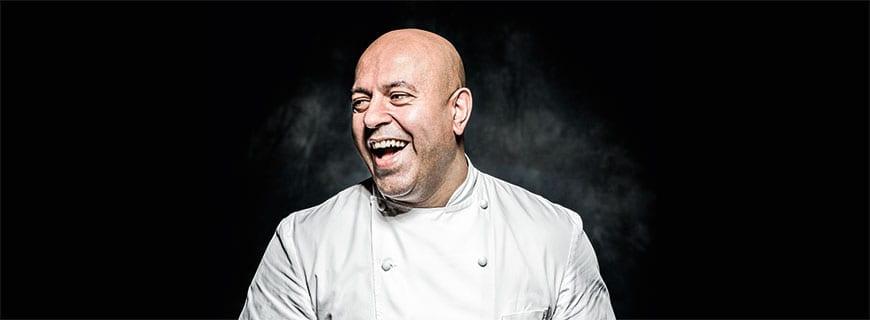 In Nottingham ist Sat Bains zu Hause: Im gleichnamigen Restaurant gibt es das ausgefallene Menü des 2-Sterne-Kochs