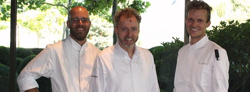 Foto von Restaurant Aqua-Chef-Patissier Henning Hartwig, 3-Sterne-Koch Sven Elverfeld und neuem Chef-Patissier im Restaurant Auqua an Fiedler.