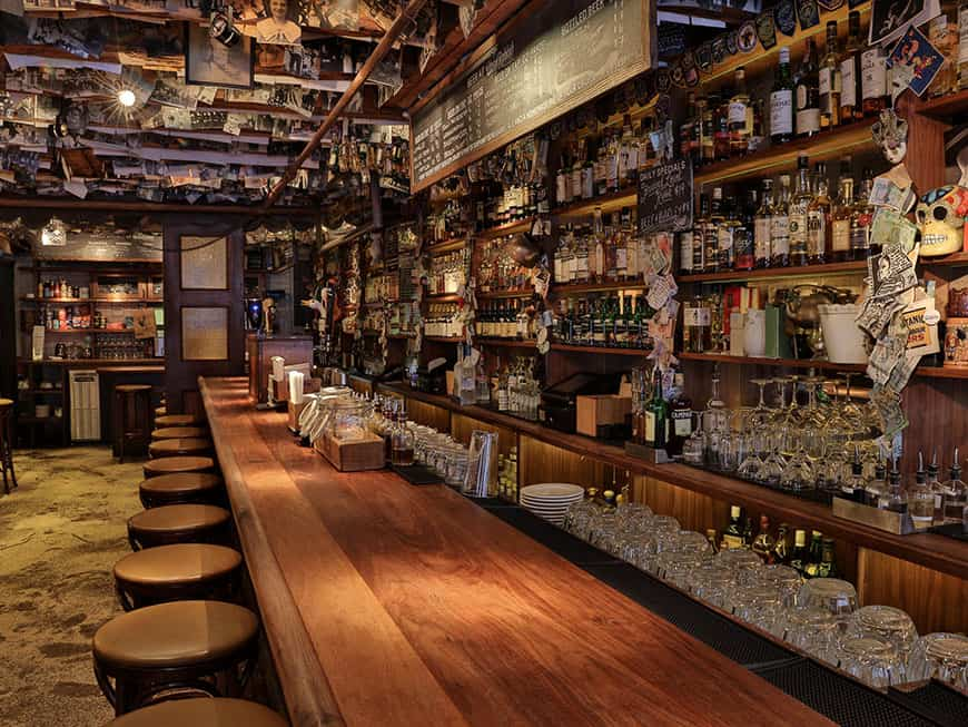 Irische Bar The Dead Rabbit in New York von innen
