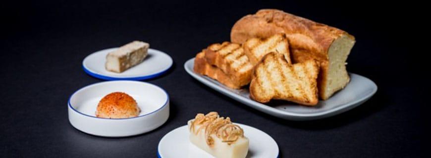 Hausgemachter englischer Toast mit dreierlei Schmalz - Zwiebel, Paprika und Pilz