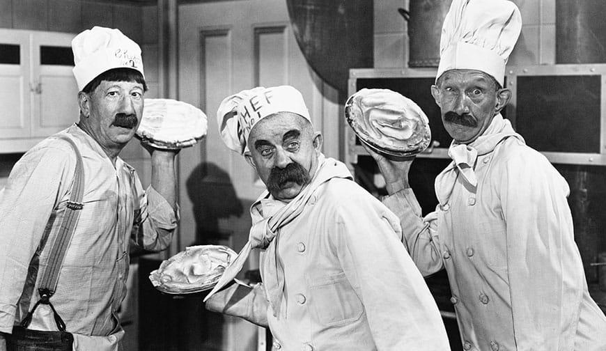 die drei stooges als köche bereit für die Tortenschlacht