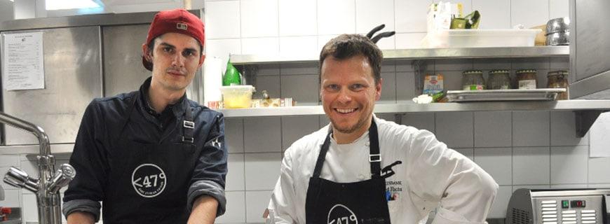 Harald Irka und Gerhard Fuchs in der Küche