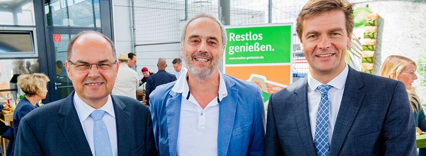 Christian Schmidt, Bundesminister für Ernährung und Landwirtschaft, Christian Rach, Restaurant-Coach, und Thomas Storck, Vorsitzender der Geschäftsführung Metro Cash & Carry Deutschland.