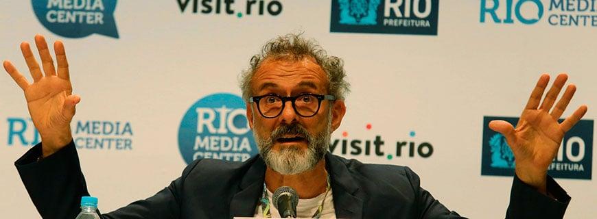 Massimo Bottura bei der Pressekonferenz in Rio