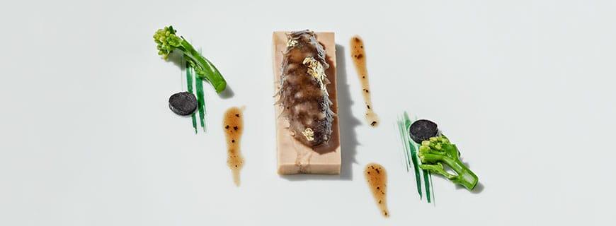 Yoshihama Seegurke mit Entenleber, Trüffel & chinesischem Brokkoli