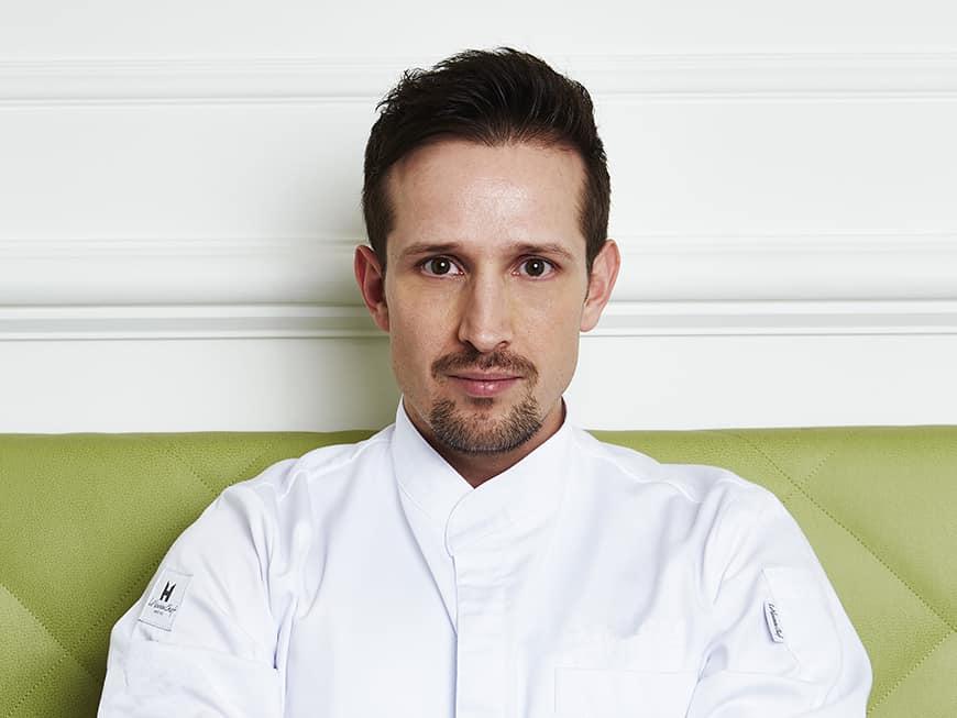 Anton Pozeg wird neuer Küchenchef im Schwarzreiter Tagesbar & Restaurant im Hotel Vier Jahreszeiten Kempinski München