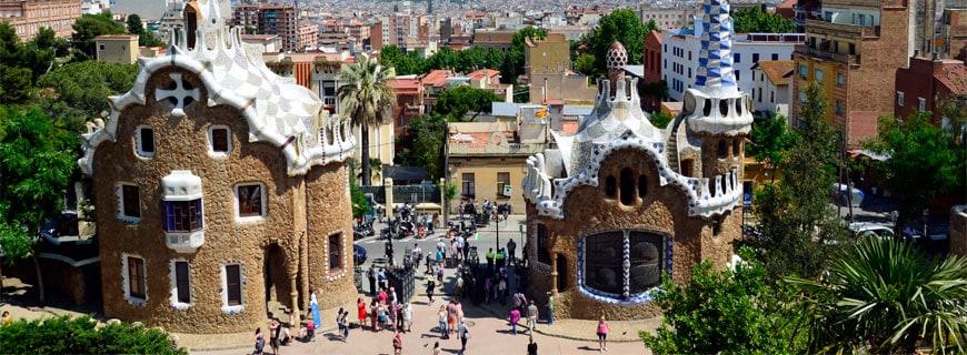 Touristenattraktion: Der Park Güell von Antoni Gaudí