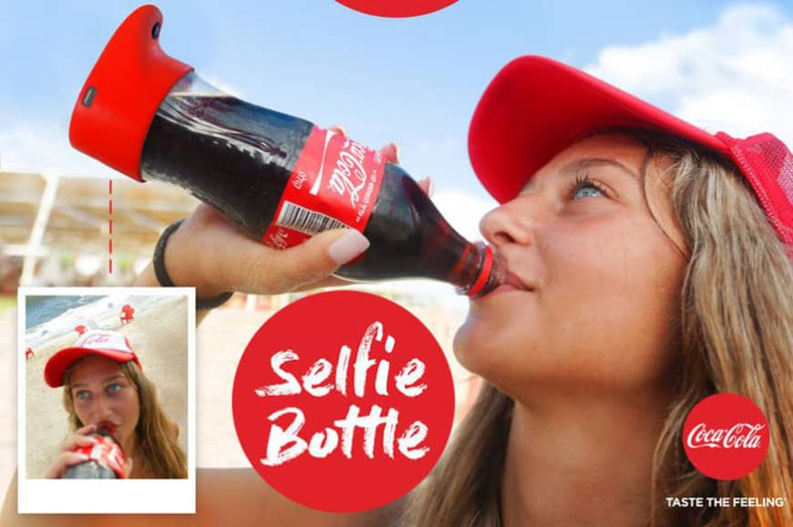 Selfie Bottle von Cola