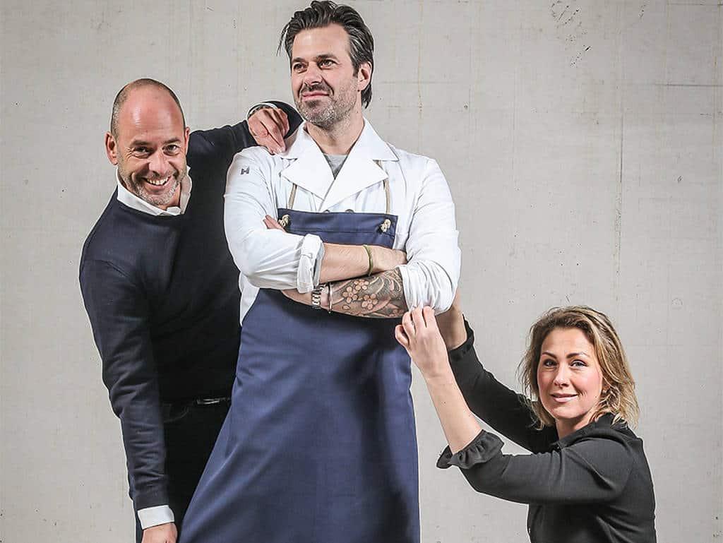 Profis unter sich: Madelon ten Hoope (re.), Paul van Luipen (li.) mit Starkoch Sergio Herman (Mi.)