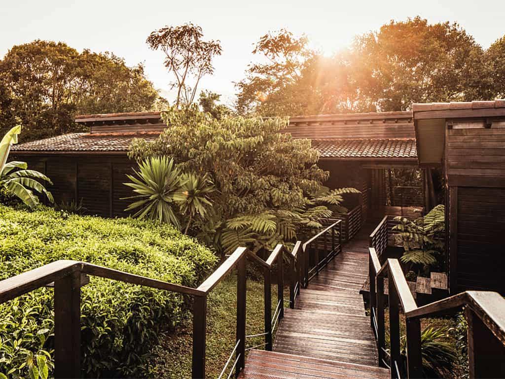 Paradiesisch auf einer alten Teeplantage gelegen