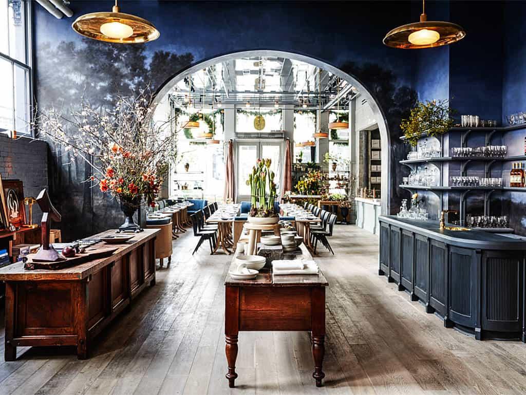 Café, Möbelhaus, Bibliothek in einem!