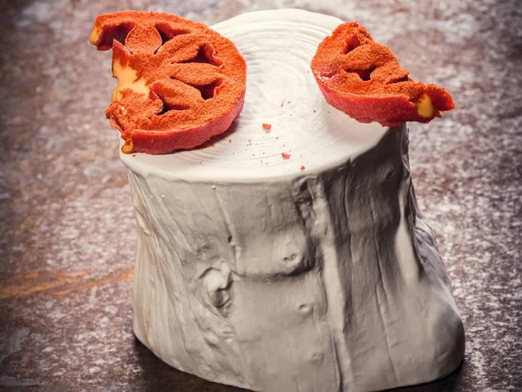 Getrocknete Tomatenscheibe mit Reisessig
