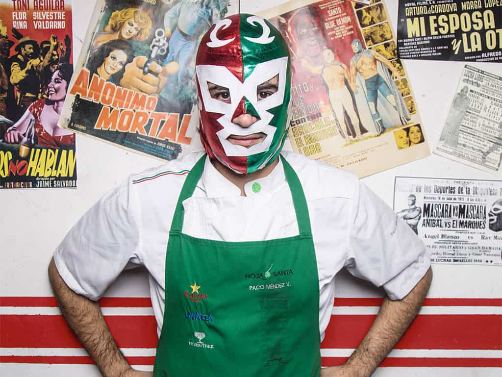 Feuriger Maskenmann: Paco Méndez sorgt im Gourmettempel Hoja Santa mit mexikanischer High Cuisine in Spanien für mächtig Furore.