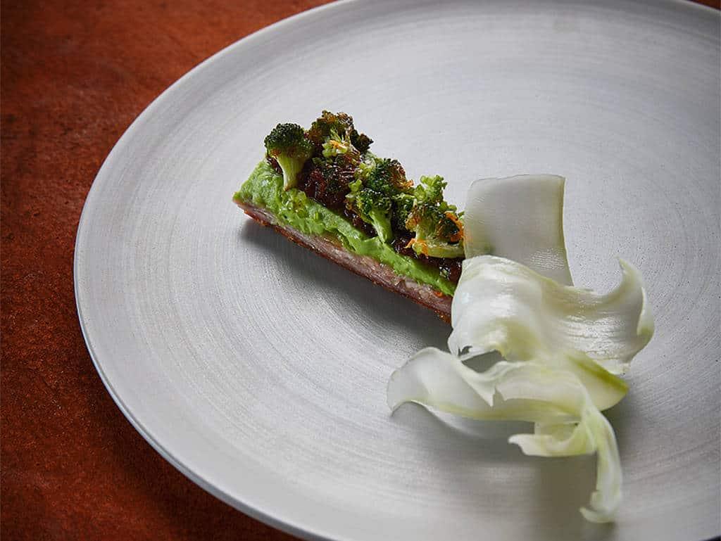 Schweineschwanz mit XO-Sauce und Brokkoli