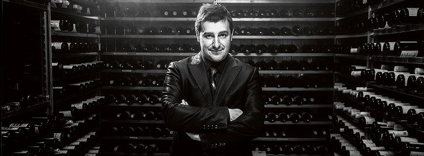 Josep Pitu Roca im Weinkeller