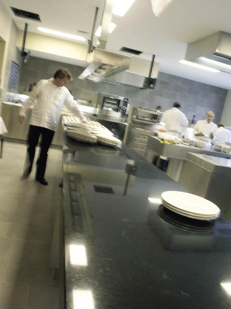 verschwommener einblick in eine Restaurant Küche
