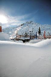 Schneepracht unter strahlendem Sonnenschein am Arlberg