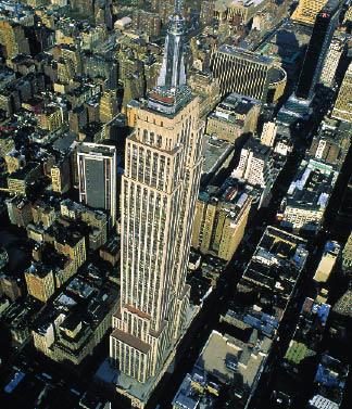 das Empire State Building aus dem Flugzeug heraus fotografiert