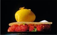 Kulinarische Kreation mit Erdbeeren