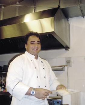Küchenchef im Ana Mandara Resort