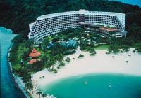 eine Hotelanlage am Strand in Singapur