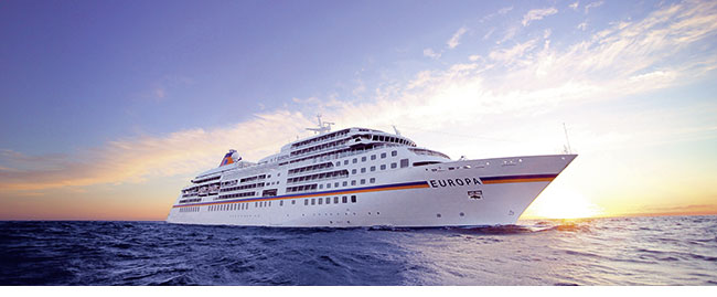 Die MS Europa auf offener See