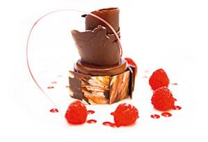 eine Schokoladen Explosion mit Himbeeren