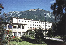 Steigenberger Akademie an einem Sommertag