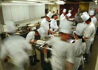 Hochbetrieb und Hektik in der Küche
