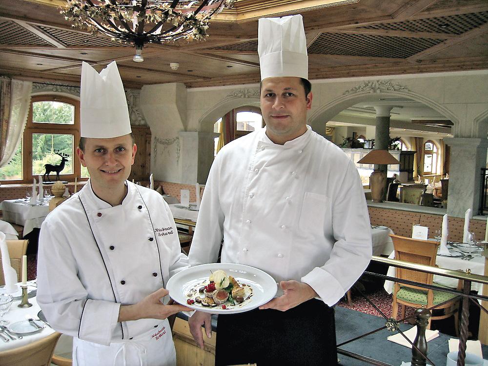 Gerhard Kriessmann mit einem Kollegen