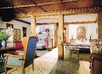 Hotelzimmer im Landhausstil aus Holz
