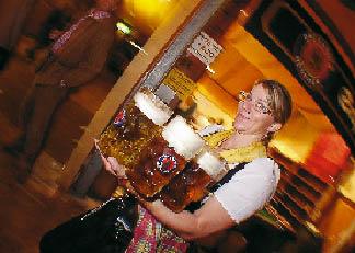 Kellnerin des münchner oktoberfestes