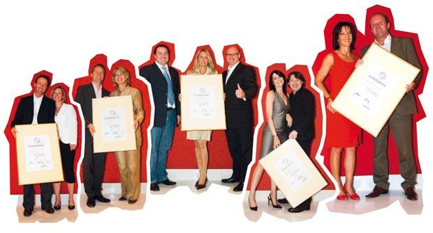 die Gewinner mit ihren Urkunden der Top Arbeitgeber Verleihung 2007