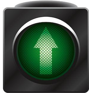 eine Ampel mit einem Pfeil, leuchtend in grünem Licht