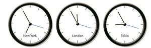 Drei Weltuhren nebeneinander, New York, London und Tokyo