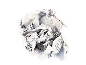Papier, zerknüllt zu einem Ball