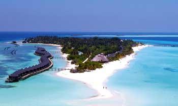 die Malediven, mit den Wasserbungalows aus der Vogelperpektive