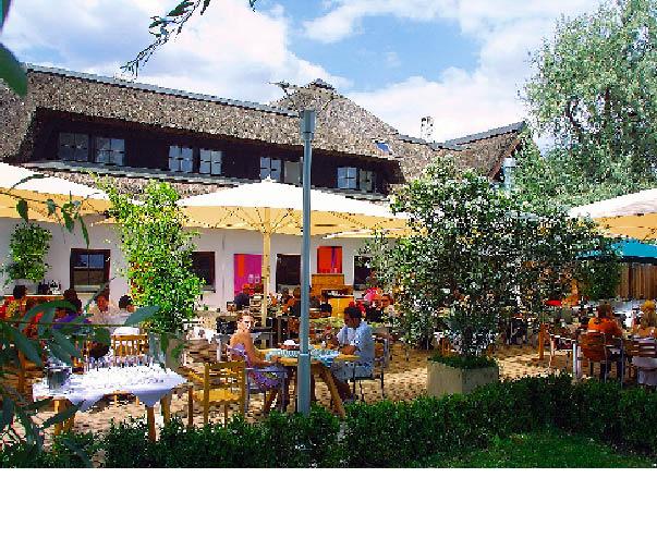 Restaurant Zur Blauen Gans der Gastgarten im Sommer