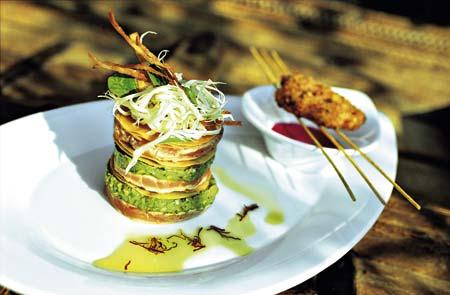arabische Pfannkuchen mit Auberginen Spinat Creme