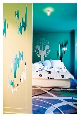 ein Hotelzimmer mit Wohnzimmer Atmosphäre