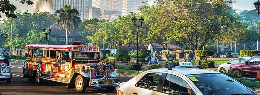 Guten Morgen, Manila: Auf den Straßen der Stadt geht es heiß her.