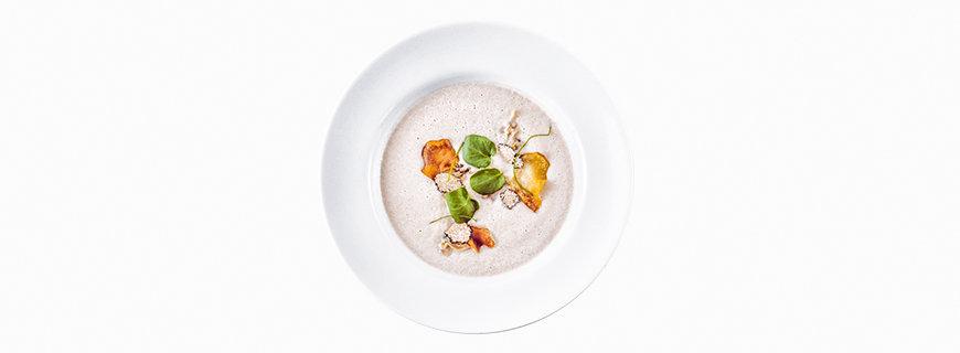 Topinambur-Suppe: Wasserkresse, schwarzer Knoblauch, Sommertrüffel, 3 Milligramm THC by Chris Sayegh