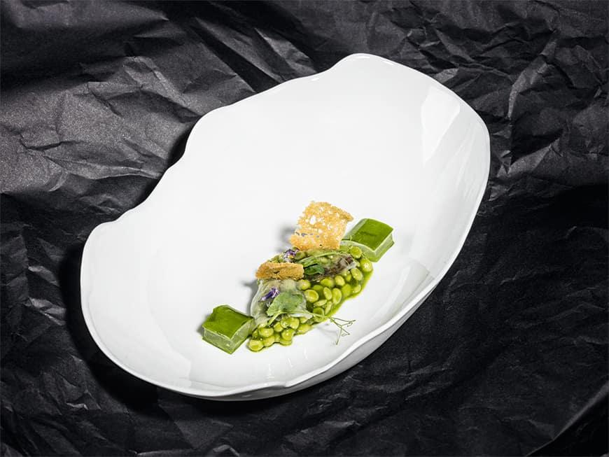 Rezept von Azurmendi-Chef Eneko Atxa: Grüne Tränenerbsen in Schinkengel und Löffelkuchen