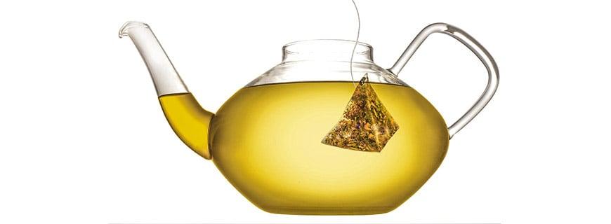 Grob gebrochene Blätter und große Fruchtstücke: echter Bio-Genuss im Beutel – ausreichend für einen halben Liter Tee
