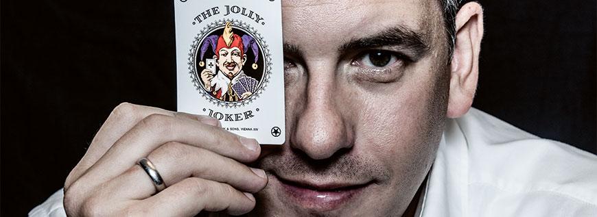 Robert Huth mit einer Jollykarte