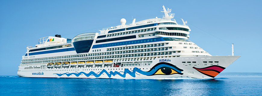 AIDA Kreuzfahrtschiff auf hoher See