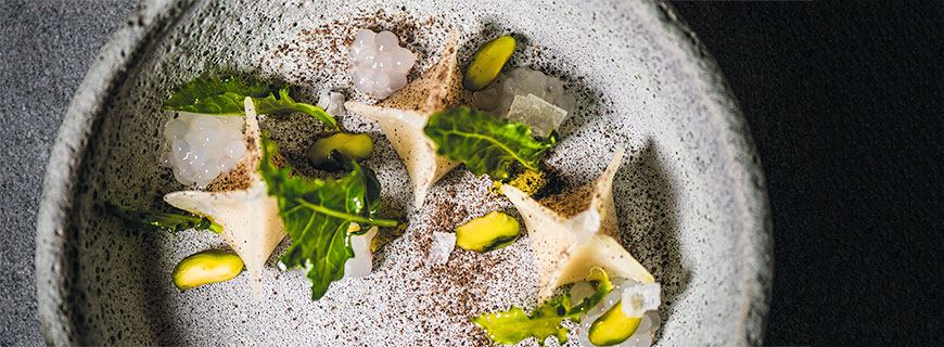 Rezept von Harald Irka, Saziani Stub'n: Kohlrabi mit Bergamotte, Piment und Pistazie