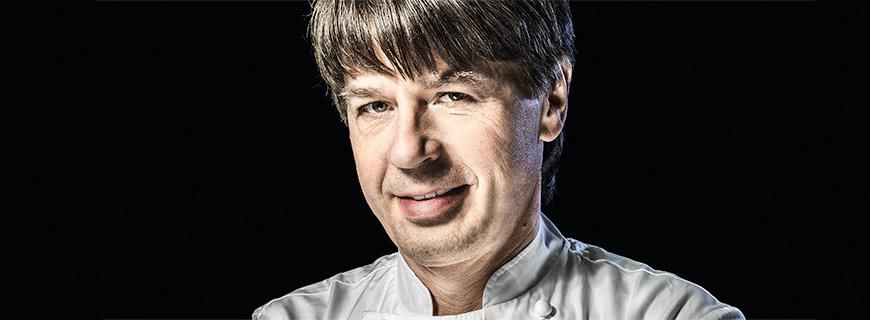 Joachim Wissler in weißer Kochjacke