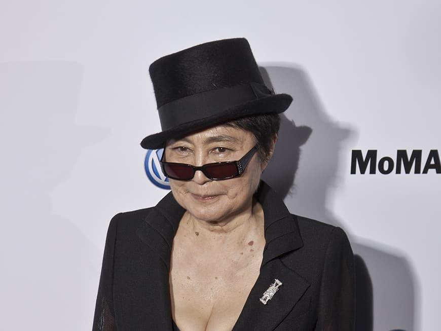 "Yoko Ono geht gegen ""John Lemon""-Drink vor"