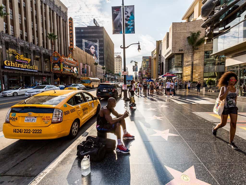 Walk of Fame: In Los Angeles gibt es unzählige Künstler, Schauspieler, Musiker und solche, die noch reich und schön werden wollen.